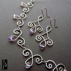 Ametrínové baroko - souprava chirurgický drát Romantická souprava náhrdelníku a náušnic je celá drátovaná z chirurgického drátu (Osteofixu), takže je vhodná i pro alergiky. Drátované motivy jsou rozklepány a doplněny krásnými broušenými rondelkami ametrínu v jemných odstínech fialové a žluté. Zapínání obruče je umístěno v přední části. Souprava je vhodná i ...