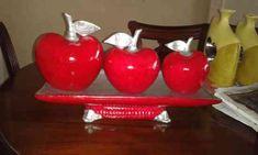 Hermosos adornos de ceramica Dollar Tree Centerpieces, Table Centerpieces, Apple Kitchen Decor, Glass Artwork, Decoration, Art Deco, Porcelain, Candles, Ceramics
