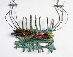 Bronce, cobre, hierro, fibras vegetales,hilo encerado, tapitas Garrahan. - Mabel Pena