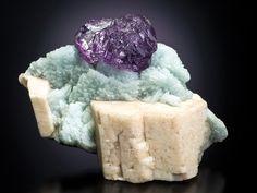 Fluorite with microcline & albite, specimen 8.2 cm wide. Spirifer coll., J. Scovil photo.