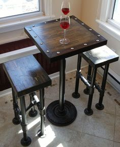 Industrial Design Weathered Gray Pub / por PieceOfChicFurniture
