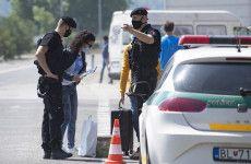 Június 26-ig biztosan marad az ellenőrzés a szlovák határokon   Paraméter