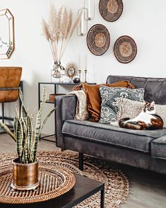 Discover The Different Italian Living Room Styles Living Room Styles, Boho Living Room, Home And Living, Living Room Designs, Living Room Decor, Bohemian Living, Simple Living, Modern Living, Living Spaces