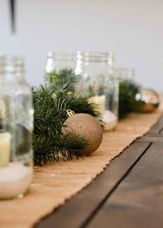 Christmas decor Use these simple Christmas table setting ideas for your dining room to create a DIY Christmas table setting! These Christmas table centerpieces will give you tons of inspiration for how to style your Christmas table this year! Christmas 2017, Simple Christmas, Christmas Wedding, Christmas Lights, Christmas Diy, Christmas Wreaths, Holiday, Xmas Table Decorations, Christmas Table Centerpieces