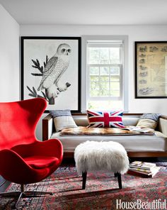 Comfortable furnishings and eye-catching art make the home office more than just a place to pay bills.