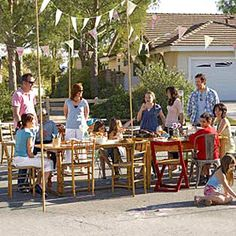Neighborhood Block Party from 10 outdoor party ideas.