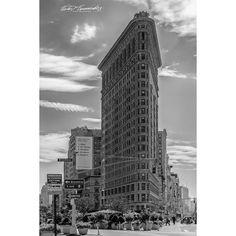 #iconic #flatironbuilding  #nyc  #monochrome #nikonnofilter #architecture #exploretocreate #streetphotography #blackandwhitephotography #photography #travel #wanderlust #manahattan #newyorkstateofmind #nikonphotography #nikon #instagood #instagram  #streetdreamsmag #bnw #bnw_captures #instadaily #classic #instatravel #peoplescreatives #natgeotravel
