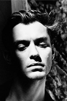 Jude Law  by Helmut Newton. S)