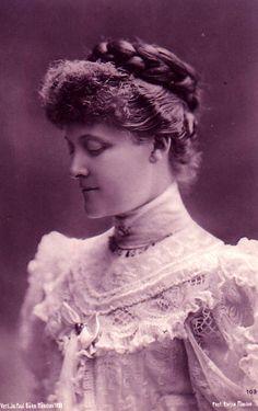 Princesse Alfons de Bavière, née princesse Louise d'Orléans (1869-1952)  Fille du prince Ferdinand d'Orléans, duc d'Alençon et de la duchesse Sophie Charlotte en Bavière