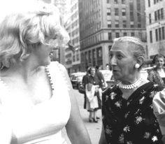 Marilyn in NYC by Sam Shaw - Marilyn Monroe