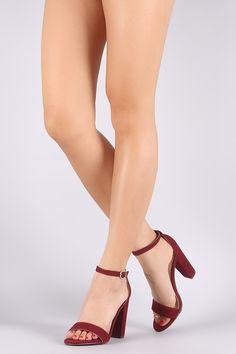 This alluring heel features a single band across vamp 792a527c7780