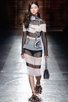 See the complete Emilio Pucci Spring 2016 Ready-to-Wear collection.