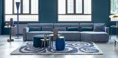 Color Pantone 2020 - Classic blue is the one chosen for this new year Blue Furniture, Furniture Design, Pantone 2020, Pantone Blue, Turquoise Cushions, Bleu Cobalt, Blue Home Decor, Minimalist Decor, Pop Of Color