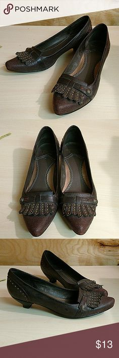 Sam Edelman leather loafers Adorable kiltie loafers with cute brass details. SE Boutique by Sam Edelman brand. Very good used condition. Small spot on heel is peeling, but could easily be glued back in place. Small heel, pointed toe. Sam Edelman Shoes Flats & Loafers