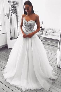 looking for a perfect wedding dress? this sweetheart white long bridal gown is the best of the best!!! #bridesmaidsdresses
