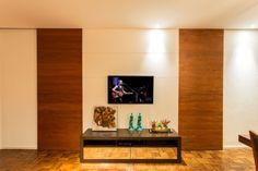 sala de tv com portas de correr