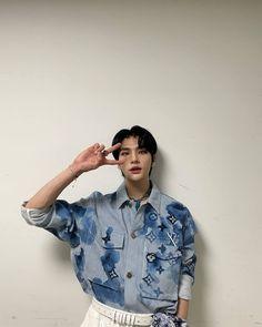 Kids Icon, Lee Know, South Korean Boy Band, Boy Bands, Boy Groups, Prince, Men Casual, Shirt Dress, Boys
