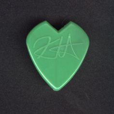 KIRK HAMMETT Guitar Pick Metallica GREEN Heart-shaped from DEATH MAGNETIC 2009