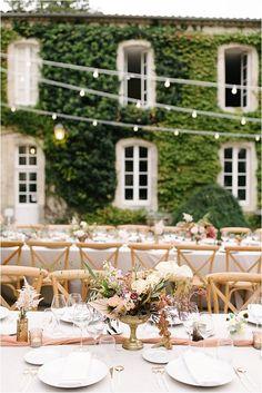 outdoor Luxury wedding venue styling Glamorous Wedding, Chic Wedding, Fall Wedding, Wedding Styles, Wedding Bells, Wedding Table, Wedding Ideas, Decoration Buffet, French Wedding Style