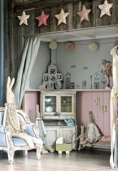 Little girls room-Vintage pink and blue theme. So cute.
