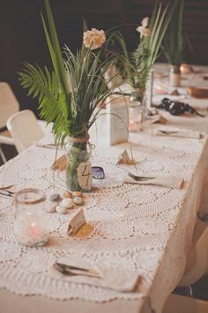 Juhlapöydän koristelua