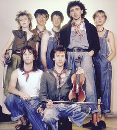 Dexy's Midnight Runners in their trademark hillbilly chic look featuring vintage dungarees, paisley neckerchiefs and berets. 1980s Mens Fashion, Kevin Rowland, New Wave Artists, Fun Boy Three, Come On Eileen, American Songs, Play That Funky Music, One Hit Wonder, Pop Bands