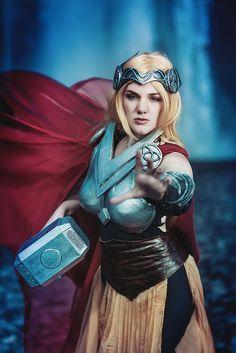#CosplayIceland  ~  Mighty Thor @ Skógafoss | par Lenbox