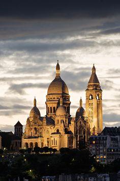 Sacré Coeur de Montmartre au crépuscule