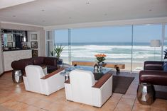 Beach Villa Wilderness offers accommodations directly on the beach in Wilderness in the Western Cape Region. Beach Villa Wilderness Wilderness South Africa R:Western Cape hotel Hotels
