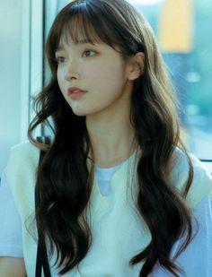 핑크에이지♡-Mobile Korean Bangs Hairstyle, Hairstyles With Bangs, Ulzzang Hairstyle, Korean Hairstyles, Long Hair With Bangs, Long Black Hair, Shot Hair Styles, Curly Hair Styles, Korean Beauty