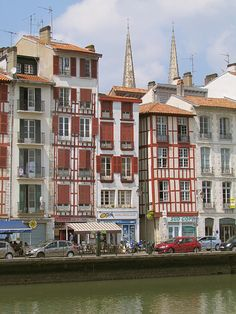 Les Quais de la Nive, Bayonne, France France City, Ville France, Aquitaine, Pays Basque France, Places Around The World, Around The Worlds, Biarritz, Voyage Europe, Limousin