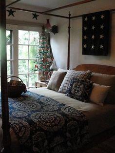 love this primitive bedroom