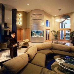 Welcome to Mimi Ubini's Blog: Prince sure lived like a king, checkout his 65,000 sqft studio, stage,apartment and office!