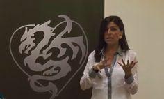 Otra fantástica conferencia de Virginia Blanes, esta vez sobre el Presente para vivir en Plenitud.