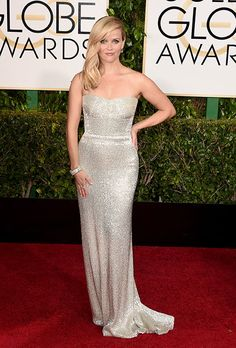 Reese Witherspoon in Calvin Clein  Golden Globes 2015 Red Carpet