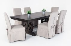 Dining Table With 2 Table Leaves!