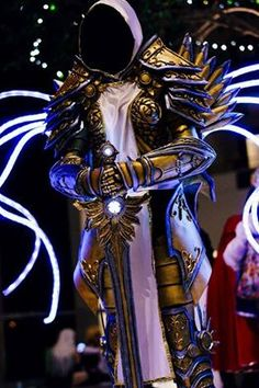 Tyrael from Diablo Cosplayer: Silver Ice Dragon Cosplay Photographer: Rich and Strange Photography