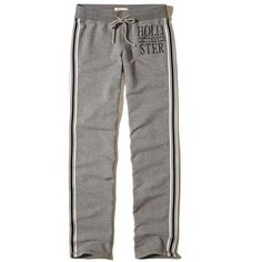 Hollister Skinny Graphic Sweatpants ($40) ❤ liked on Polyvore featuring activewear, activewear pants, heather grey, skinny fit sweatpants, skinny sweat pants, sweat pants, fleece sweatpants and skinny leg sweatpants