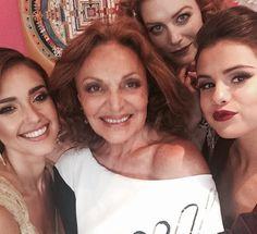 cotibluemos: Selena Gomez en The Met Ball Gala 2014
