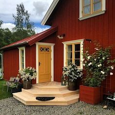 Boost your home's curb appeal with these 23 exterior paint color ideas - Rich burgundy accented by mustard yellow. House Siding, House Paint Exterior, Exterior Paint Colors, Exterior House Colors, Exterior Design, Exterior Homes, Swedish Cottage, Red Cottage, Swedish House