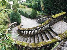 Un volume che rende omaggio ad Alberto Callari: la solennità del paesaggio negli scatti di un talentoso fotografo giardiniere