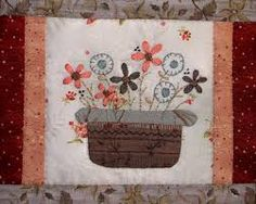 Resultado de imagen para lynette anderson designs Lynette Anderson, Linnet, Vintage World Maps, Patches, Embroidery, Quilts, Design, Toss Pillows, Needlepoint