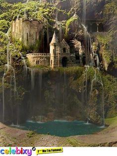 zamek pod wodospadem