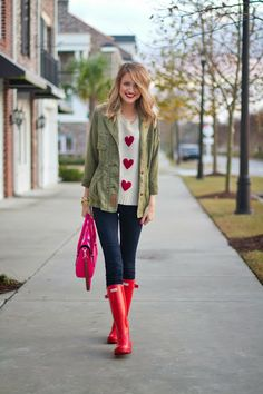 Nice Awesome Ideas Rain Boots Hunter Outfit for Women Preppy Outfits, Preppy Style, Fashion Outfits, My Style, Style Blog, Preppy Fashion, Style Men, Red Hunter Boots, Hunter Boots Outfit
