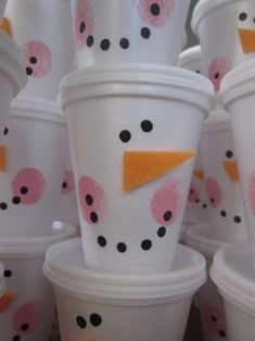 Snowman activities: Quick, easy, inexpensive & fun treat cups. You can make these for your students as a gift and put a package of cocoa & a Snack Baggie of marshmallows inside, or have students make one and stuff with sn blend words or whatever.