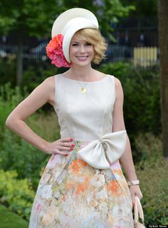 Amanda Holden as pretty as a picture at Royal Ascot.