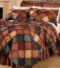 Donna Sharp Campfire Full/Queen Cotton Quilt - American Heritage Textiles cotton bedding collection is a traditional rag quilt, meaning small squares of woven, not printed, fabrics joined together with exposed seams that are clipped and fr Diy Quilt, Quilt Bedding, Bedding Sets, Waverly Bedding, Bed Quilts, Twin Comforter, Flannel Rag Quilts, Cotton Quilts, Cotton Bedding