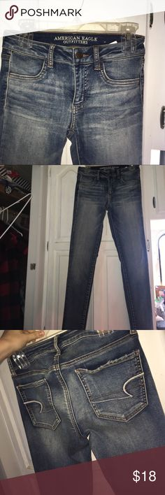 American eagle jeans Super skinny jeans that I only wore twice. Really comfortable hedging material. American Eagle Outfitters Jeans Skinny