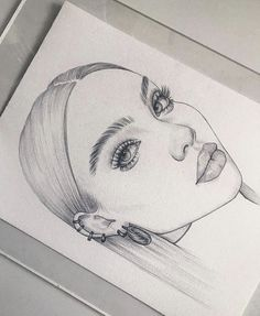 🌑 Beautiful sketches and paintings ✨ Swipe to see more 👉 🙂 Black or brown hair? Girl Drawing Sketches, Cool Art Drawings, Pencil Art Drawings, Face Sketch, Sketch Art, Sketches Of Girls, Drawing Ideas, Tumblr Girl Drawing, Artist Painting