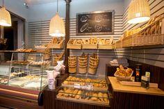 En pleno barrio de Chueca está Viena la Baguette, una panadería en la que recuperarás el olor a pan pan de tu niñez. También con los dulces